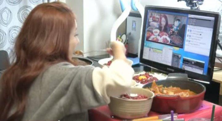 9000 euros pour manger devant sa webcam